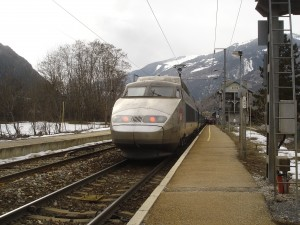 TGV_vers_Lille_en_gare_d'Aime